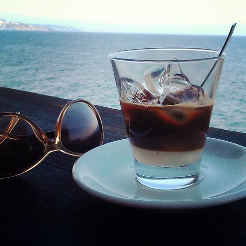 kafe s mandlovym mlekem